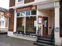 ‪Alexandros Greek Restaurant and Deli‬