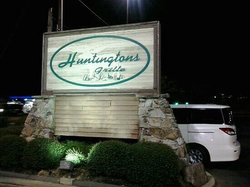 Huntingtons Grille
