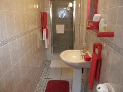 Poppy Room Bathroom