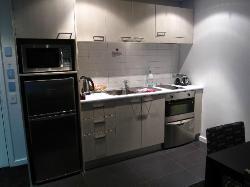 Waldorf Stadium Apt - apartment kitchen