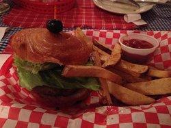 B. Merry Gastro Pub