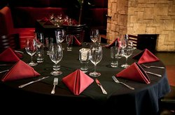 Fahrenheit Restaurant & Lounge
