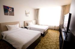 Golden Palm Casino-Hotel