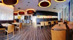 Roundabout Cafe Restaurant Lounge GmbH