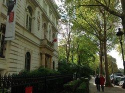塞努齐博物馆