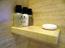 Shower/bath amenities
