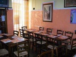 Royal Pub Pizzeria Panineria Creperia