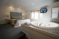 Aubyn Court Spa Motel