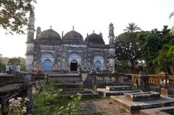 Motijheel Mosque and Cemetery