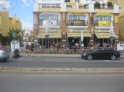 Alejandro's Bar-Restaurante