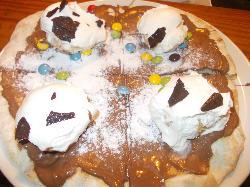 pizza con nutella smaties e profiterol vaniglia