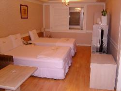 Uneed Hotel