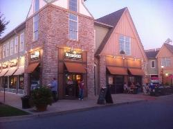BoomBozz Pizza & Taphouse Westport Village