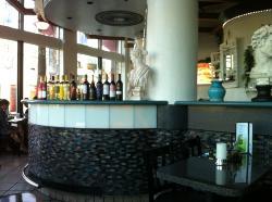 Akropolis Restaurant & Coffee