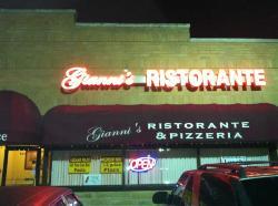 Gianni's Ristorante and Pizzeria