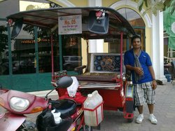 Lans' Phnom Penh Sightseeing Services - Private Tours