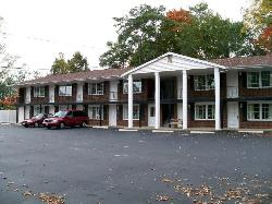 ‪Coachman Motor Lodge‬