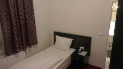 Aariana Hotel