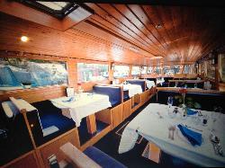 CanalBoat Cruisesof Riley Green