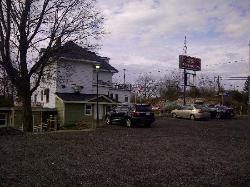 Sharbot Lake Country Inn & Crossing Pub