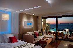 Elite Suites by Amathus Beach