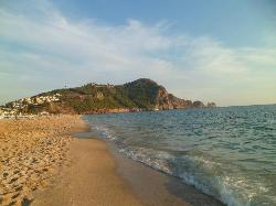 2 min walk to the beach