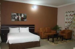 Lake Crescent Hotel