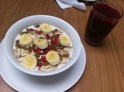 Porridge and ABC Apple Beet Carrot juice
