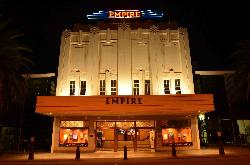 ‪Empire Theatre‬