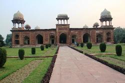 Tomb of Mariam Zamani