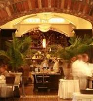 40 Westt Steakhouse & Raw Bar