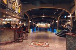 Golden Lion Restaurant, Bar