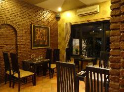 Lodge Bui Restaurant -Live Music