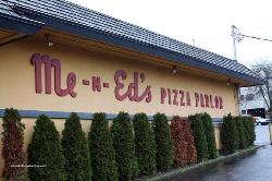 Me-n-Ed's Pizza Parlor