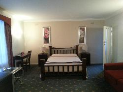 503 On Princes Drive Motel & Serviced Apartments