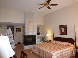 Lockport Inn and Suites