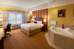 King Guestroom with Whirlpool