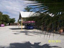 明輪船汽車旅館