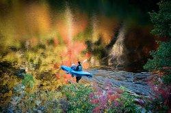 Kayak on 35-acre Hampton Lake