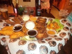 Hot Wings Saloon Cartagena