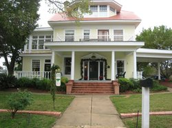 Boothe House Bed & Breakfast