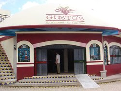 Gusto's Restaurant & Cantina