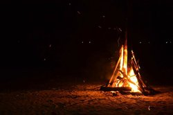 camp fire on the beach every Saturday night (by Camille)