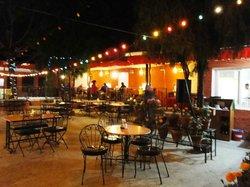 Brezel Cafe & Bar
