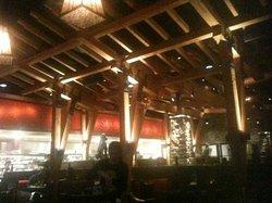 Boston's the Gourmet Pizza Restaurant & Sports Bar