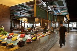 Makan Kitchen at DoubleTree by Hilton Hotel