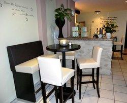 Accenta Cafe Restaurant