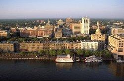 Savannah Walking History Tours by Steve Ellis