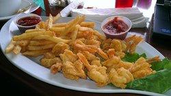 Crackerjacks Seafood and Tiki Bar