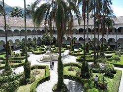 touring Quito